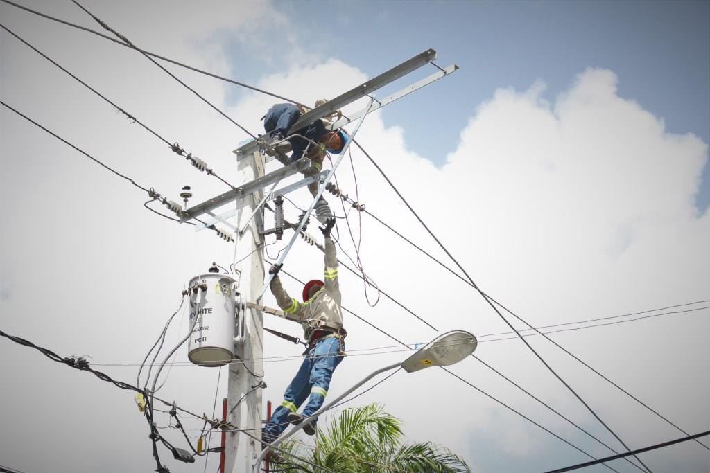EDENORTE instala servicio 24 horas en comunidad de Dajabón