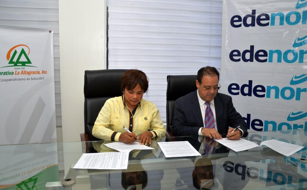 NDP EDENORTE y Cooperativa La Altagracia Incorporada firman acuerdo interinstitucional