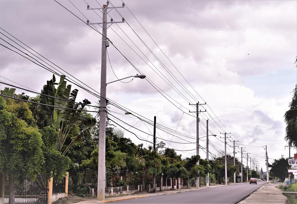 EDENORTE rehabilita redes e instala 24 horas de luz en Puñal
