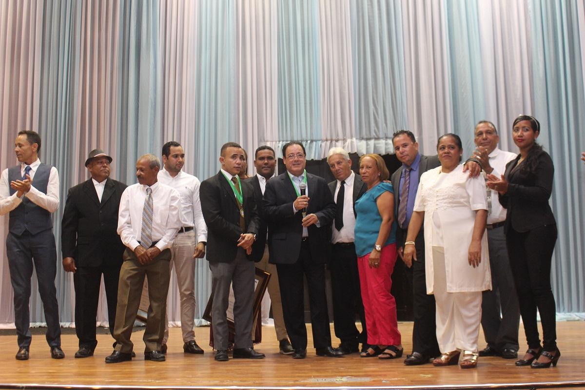 Juntas de vecinos de La Vega reconocen al ingeniero Correa