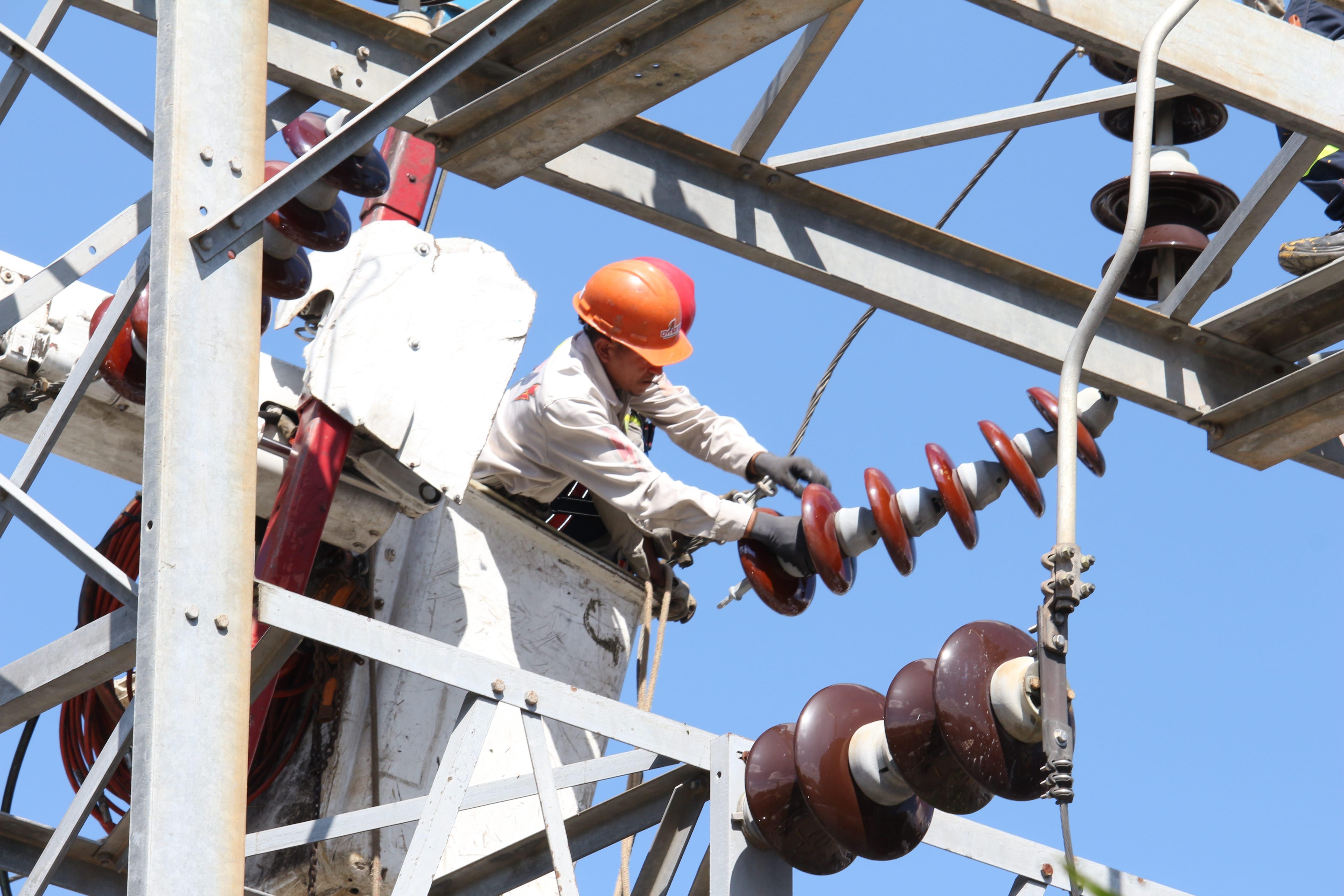 NDP Técnicos de la ETED darán mantenimiento en zonas de La Vega