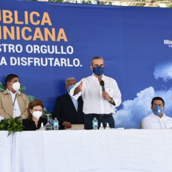 Presidente Luis Abinader inaugura trabajos iluminación carretera Cabarete-Sosúa