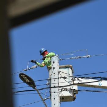 EDENORTE realiza trabajos por rehabilitación de redes en Nagua