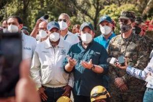 Andrés Cueto resalta trabajo de colaboradores en rescate usuarios Teleférico