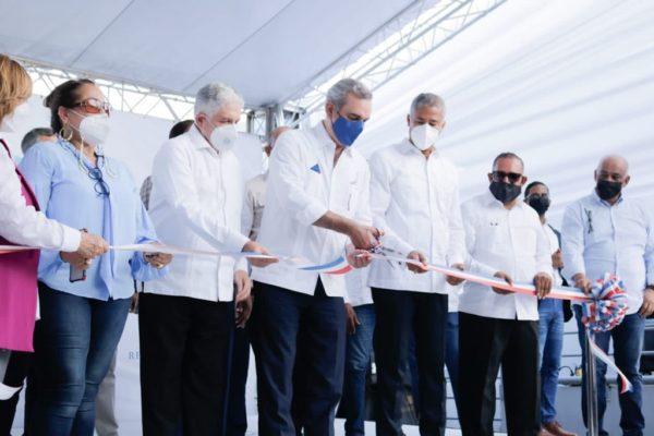 Presidente Abinader entrega obras ejecutadas por Edenorte en La Canela